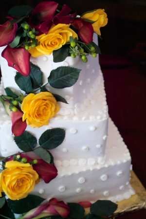 Color photograph of a wedding cake at the Gatehouse in Lafayette, CO.